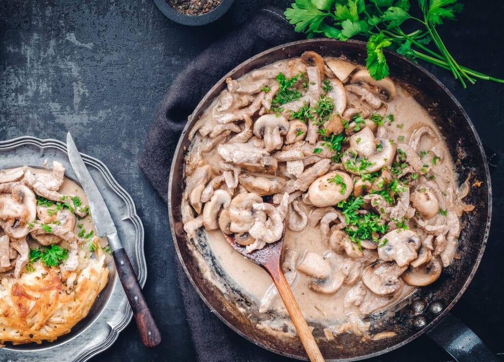 Marinaden - auf diesem Bild sieht man ein Pfannengericht, da sich unsere Wasser-in-Öl-Marinade besonders gut entfalten