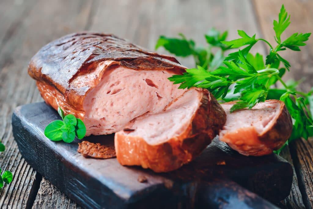 Kutterhilfsmittel: dieses Bild zeigt einen Fleischkäse