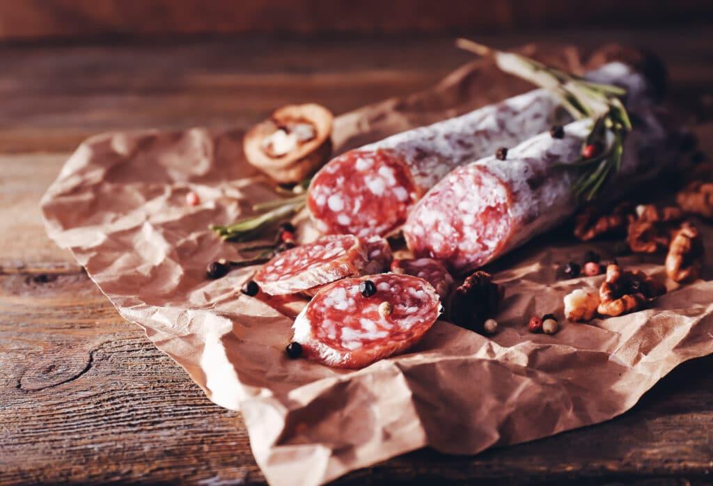Rohwurst-Gewürze: dieses Bild zeigt Salamis