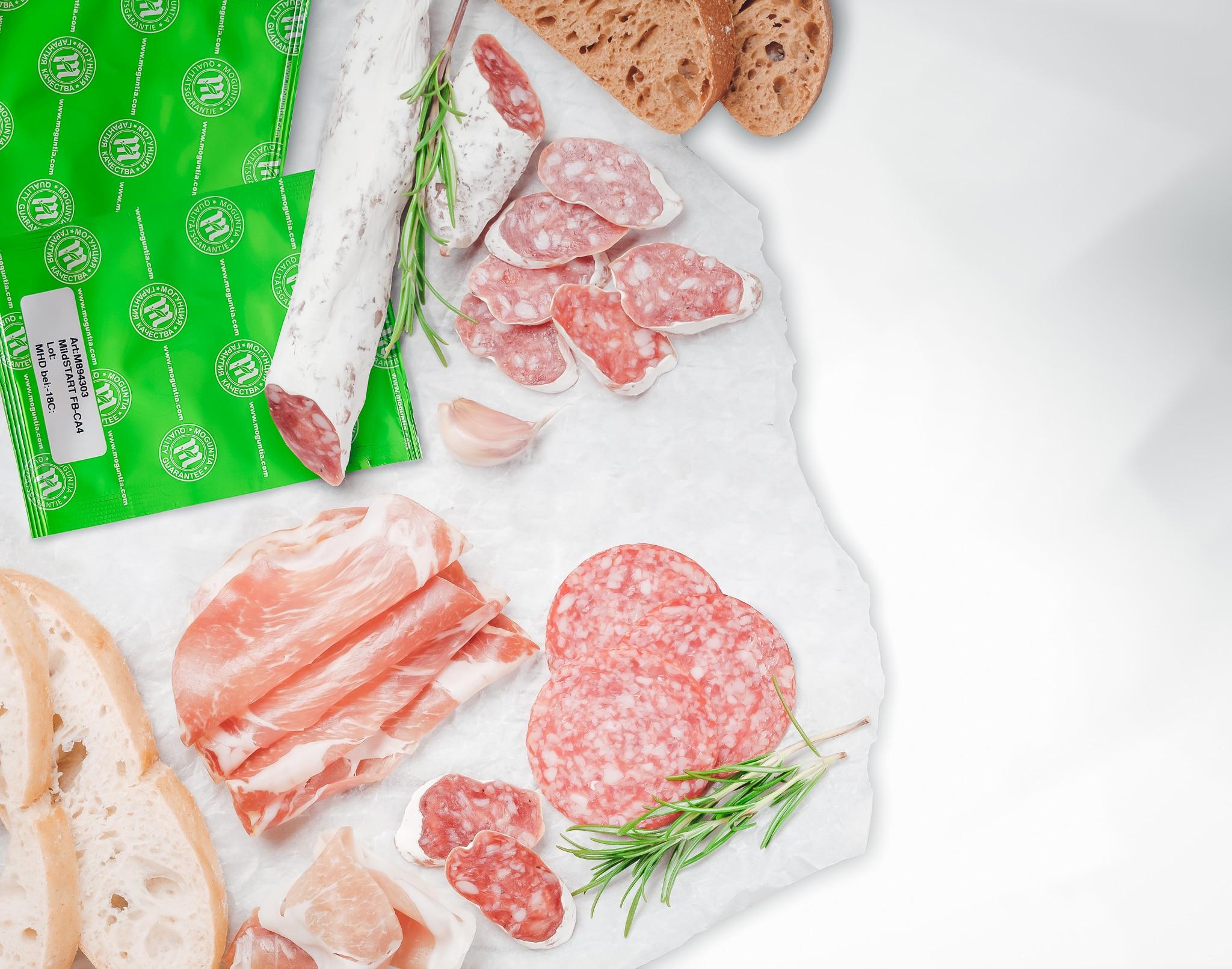 Starterkulturen: dieses Bild zeigt Rohwurst mit einer Verpackung von unseren Starterkulturen