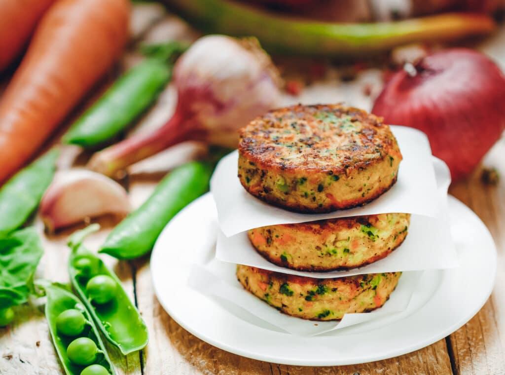Fleischalternative: dieses Bild zeigt eine vegetarische Frikadelle